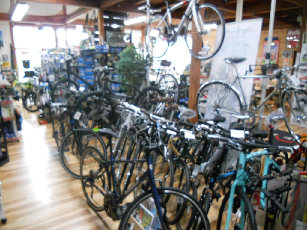 店内クロスバイクコーナー
